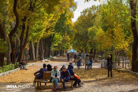 دما در اصفهان افزایش مییابد/بارش پراکنده در مناطق غربی