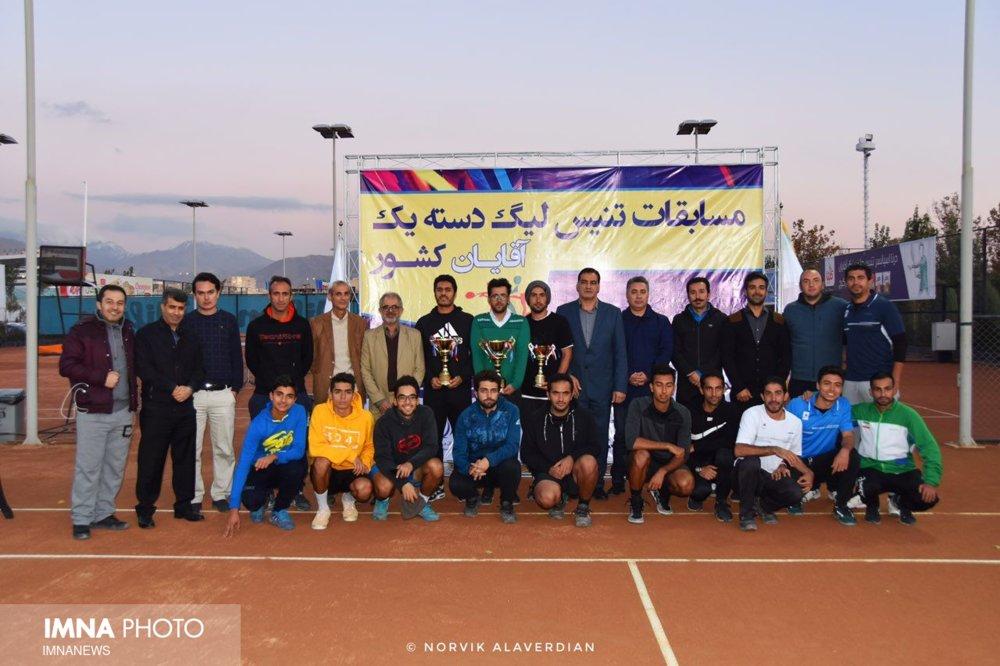 جام قهرمانی در دستان تنیسورهای گز نیوشا