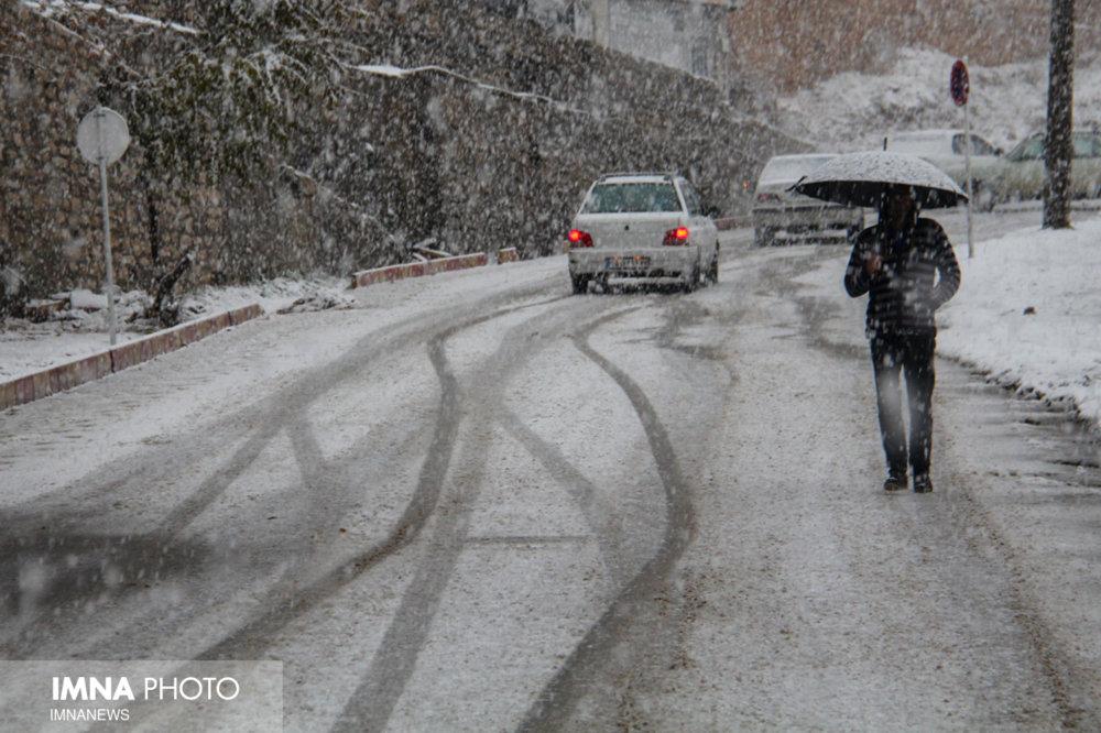 بارش برف و باران در ۲۰ استان/ مه گرفتگی در ۷ استان
