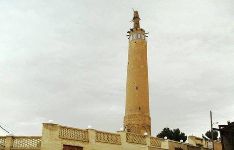 برج سازی در ۱۷۰ متری منار ۹۰۰ ساله