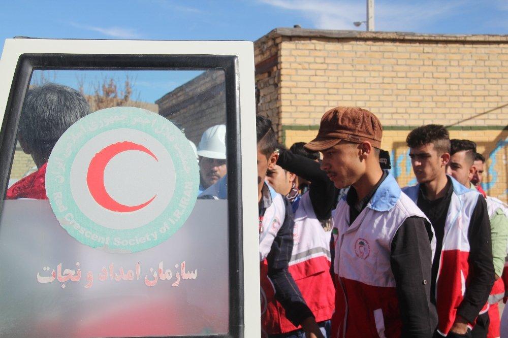 سه تیم ارزیاب اولیه به زلزله سمیرم اعزام شد