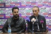 گلمحمدی: اگر ذهنمان مشغول نقل و انتقالات شود لیگ و جام حذفی را از دست میدهیم