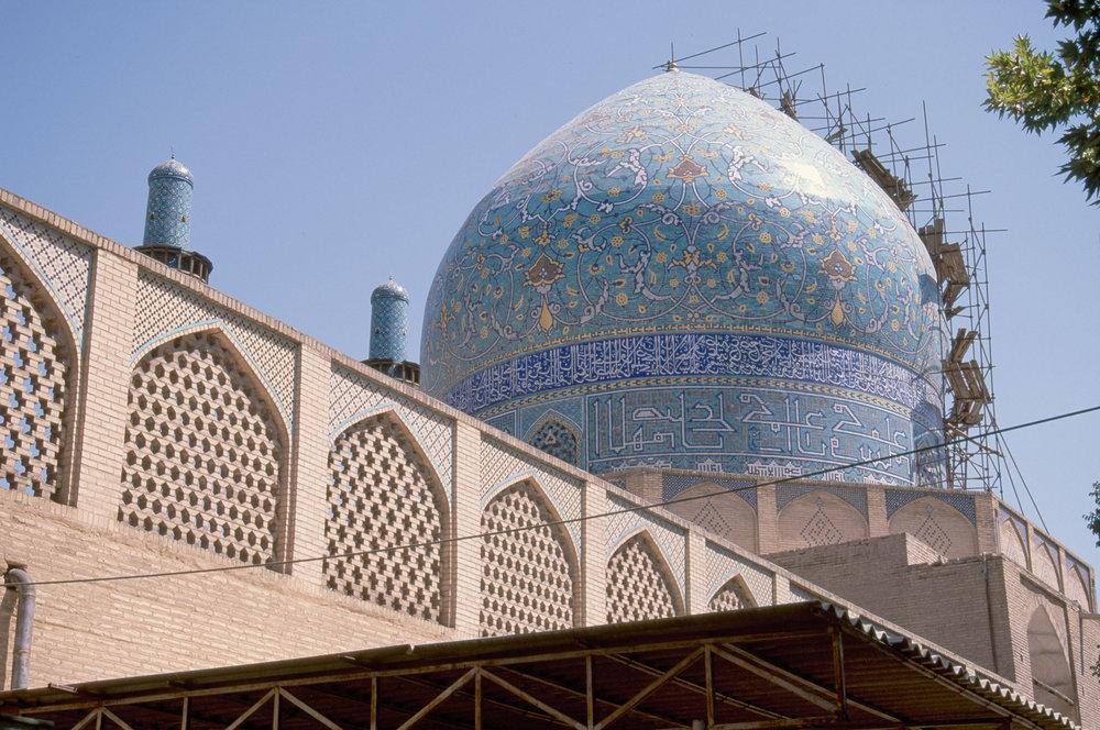 پیشرفت ۸۵ درصدی مرمت گنبد مدرسه چهارباغ اصفهان