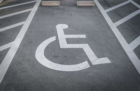 مناسب سازی بیش از ۵۰ درصد از پارکهای آستارا برای معلولان