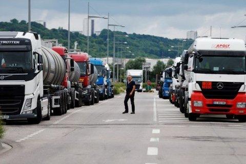 صدور دستور رفع مشکل تردد کامیونهای ایرانی در مرزهای ترکیه