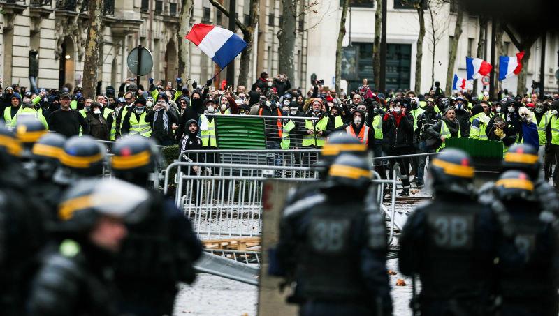 بازگشت جلیقه زردها به زور آزمایی خیابانی در فرانسه