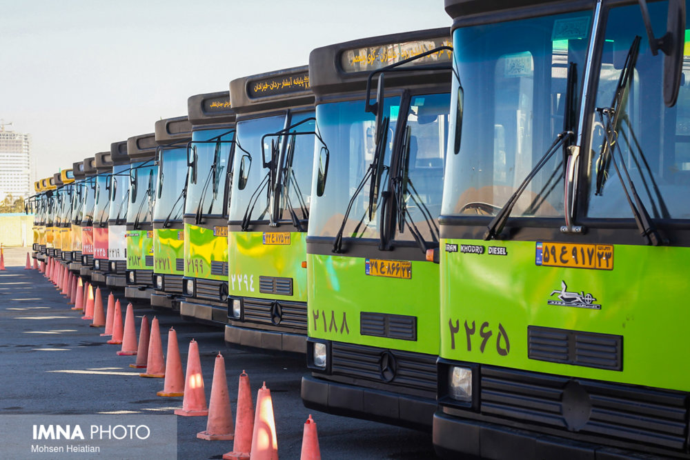 واگذاری ۲۰۰ دستگاه اتوبوس به بخش خصوصی/حقوق رانندگان پایمال نمیشود