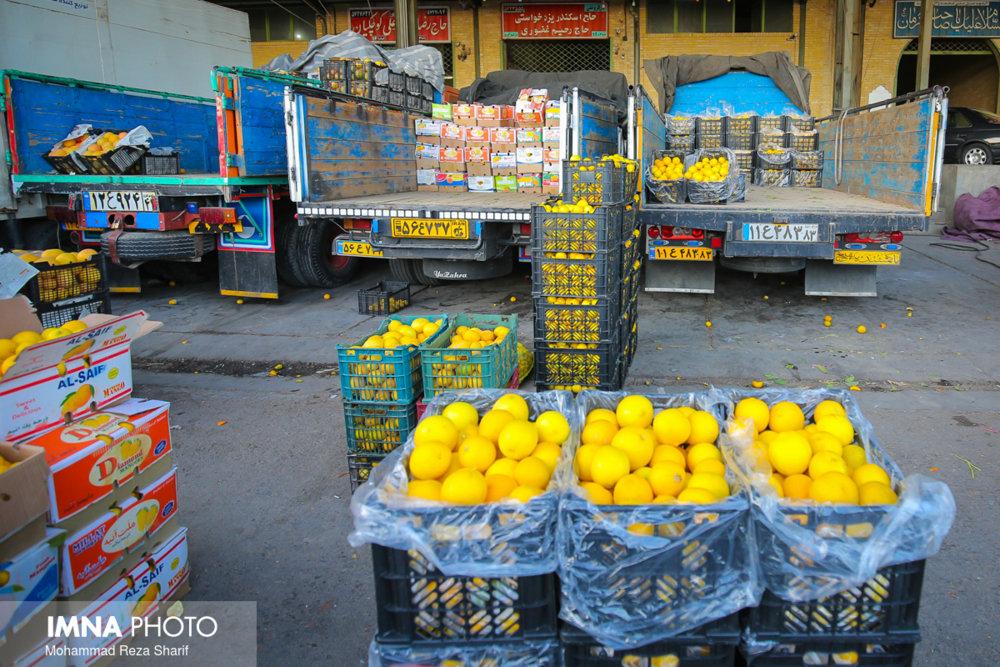 افزایش قیمت میوه و ترهبار غیررسمی و تخلف صنفی است