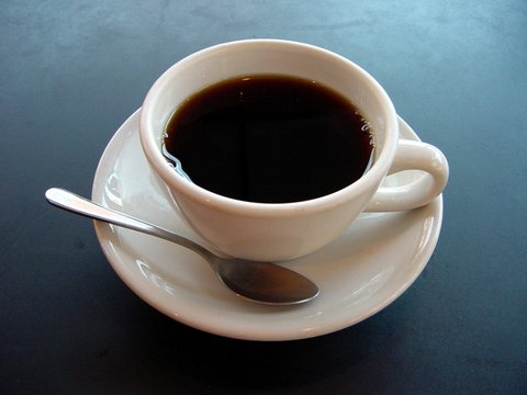 چرا از طعم تلخ قهوه لذت میبریم؟