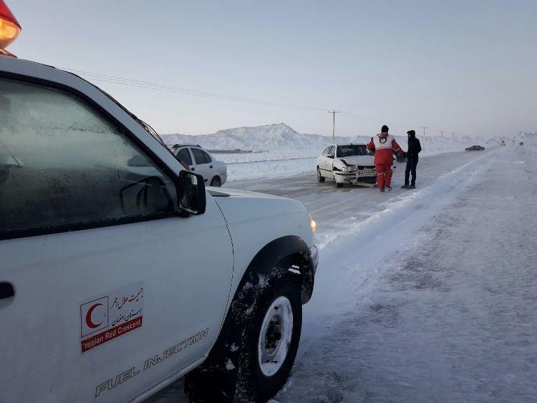 امدادرسانی به بیش از ۲۹۰۰ نفر در برف و کولاک سه روز گذشته