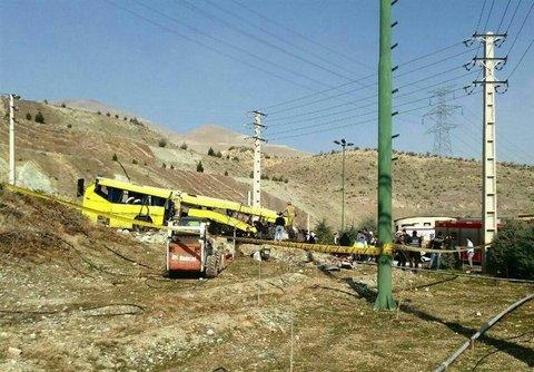 تحقیقات کیفری مقدماتی  حادثه واژگونی اتوبوس دانشگاه آزاد شروع شده است