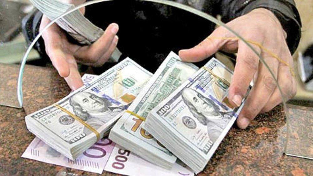 باز هم همهمه مردم در حباب دلار خیابان سپه!