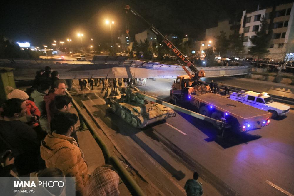 سقوط پل هوایی کمربندی شرق اصفهان/ اتوبان مسدود است