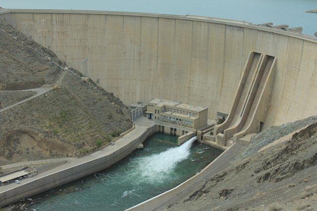 دریچههای سد زایندهرود از ۲۸ شهریور بسته شد