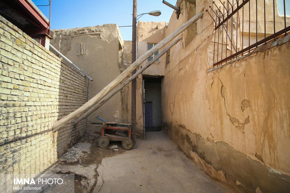 ۷۵درصد واحدهای مسکونی روستایی بویین میاندشت ناایمن است
