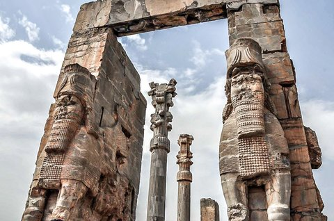 Iran's ancient history to be introduced to Spanish people