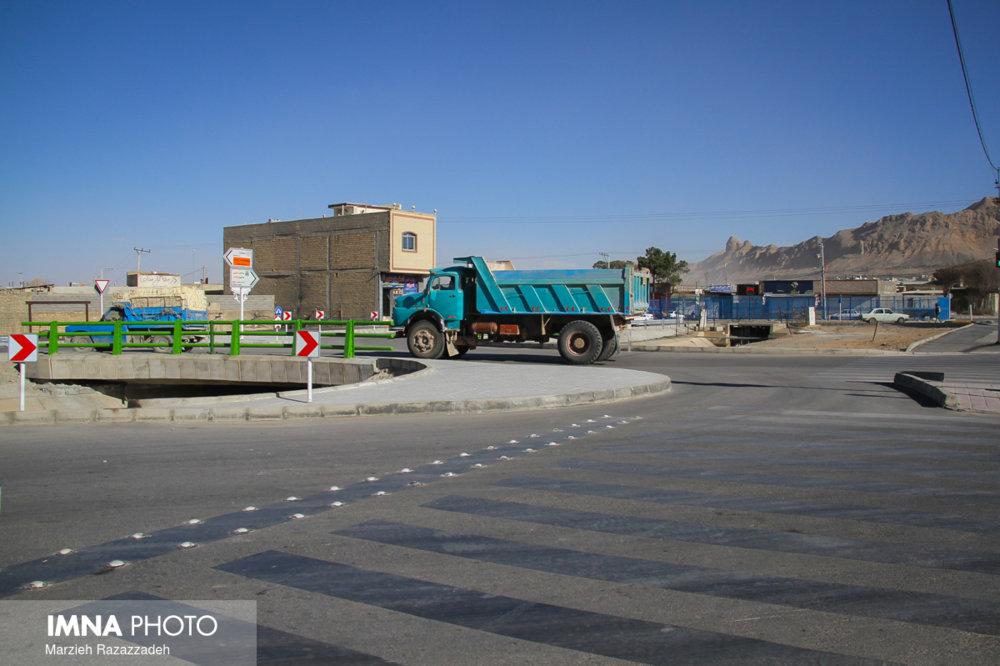 طرح ترافیکی پروژههای شهری مورد بررسی قرار گیرد