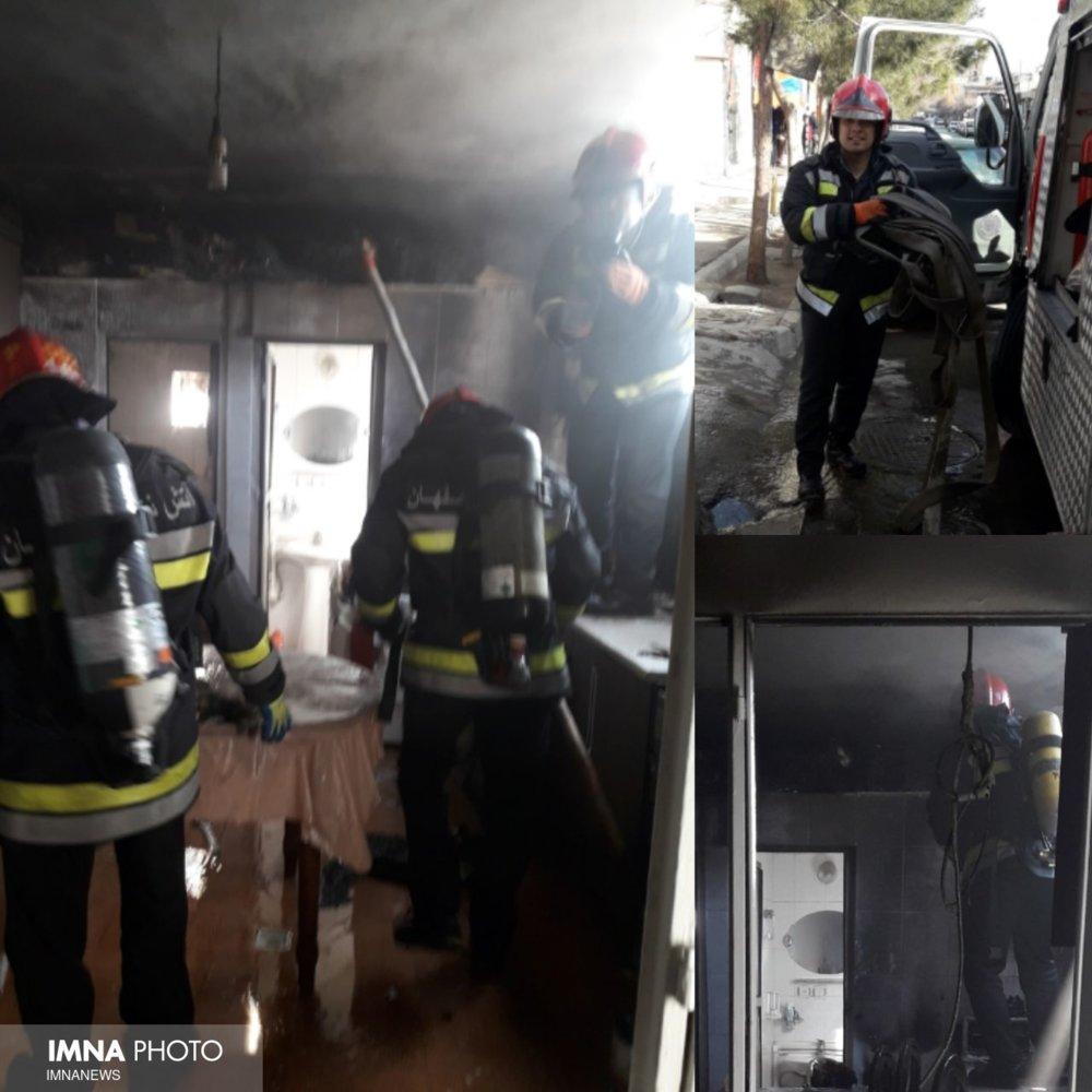 آتشسوزی در ساختمان پنج طبقه خیابان باهنر