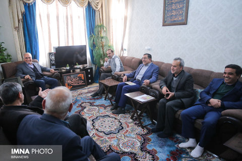 دیدار شهردار با خانواده شهیدان خانعلی و هاشمی- ۲۳ بهمن ۱۳۹۷