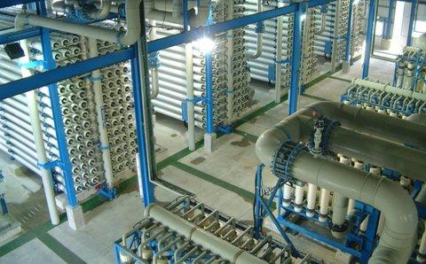 افزایش ۳۰۰ هزار مترمکعبی ظرفیت آب شیرینکنها تا ۱۴۰۰