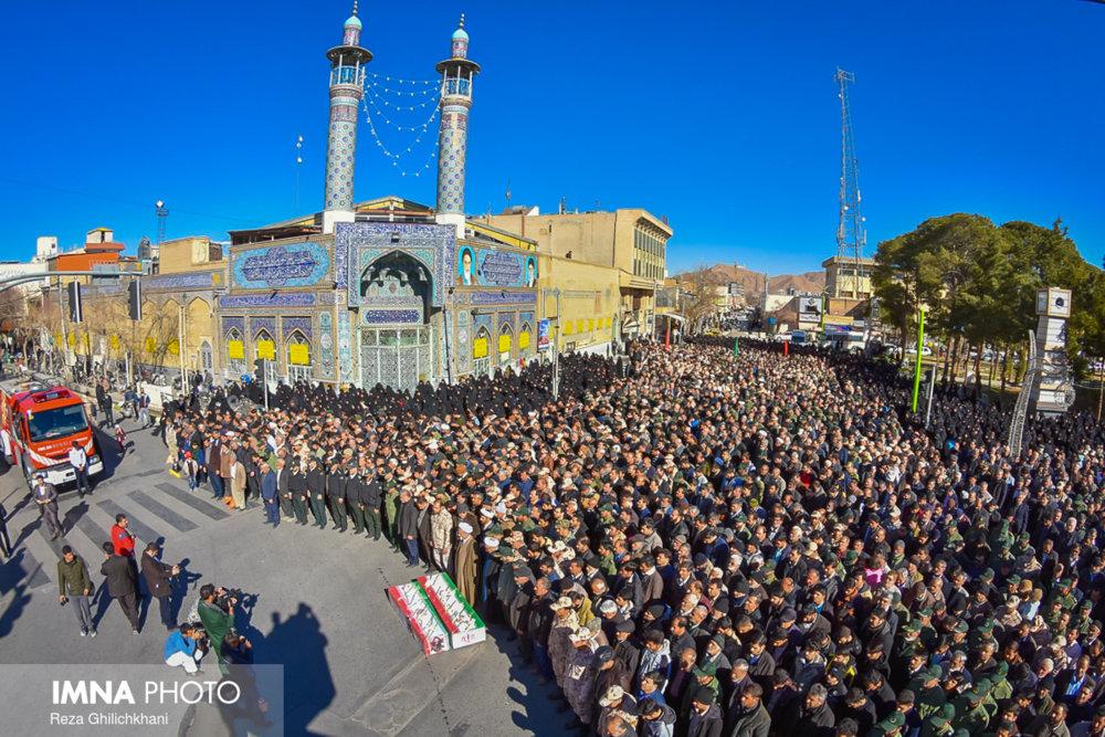 تشییع و تدفین شهیدان مدافع وطن در نجف آباد