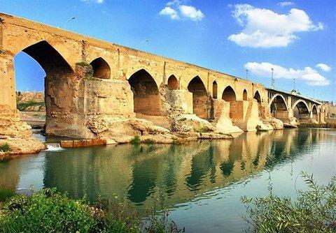 شهری از سپیده دم تاریخ