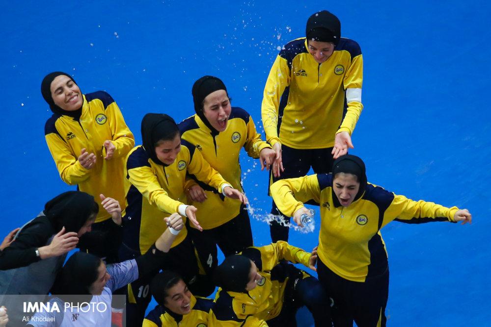 نامی نو ۳ _ ۱ پویندگان فجر شیراز / شکست شیراز در نیمه دوم رقم خورد