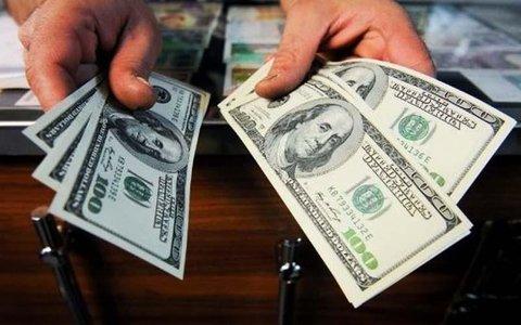 بالابودن نرخ ارز ناشی از تحریم و مدیریت بازار است
