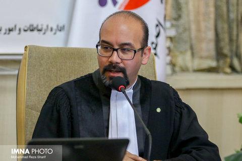 چرایی حضور حقوقدانان در پارلمانهای محلی