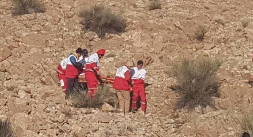 گرفتاری ۲ جوان در ارتفاعات کوه سیاه/ بالگرد هلال احمر به منطقه اعزام شد