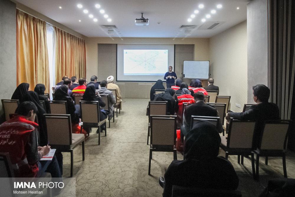 آموزش آتش نشانی به ۳۵۰ هزار نفر از مردم استان اصفهان