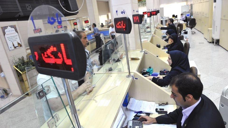 همتی:۶ نفر از کارکنان بانکهای کشور به کرونا مبتلا و فوت کردهاند