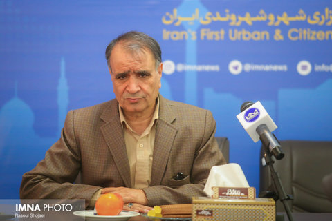 برای بستن راههای ورودی اصفهان دیر شده/ باید مردم را بترسانیم
