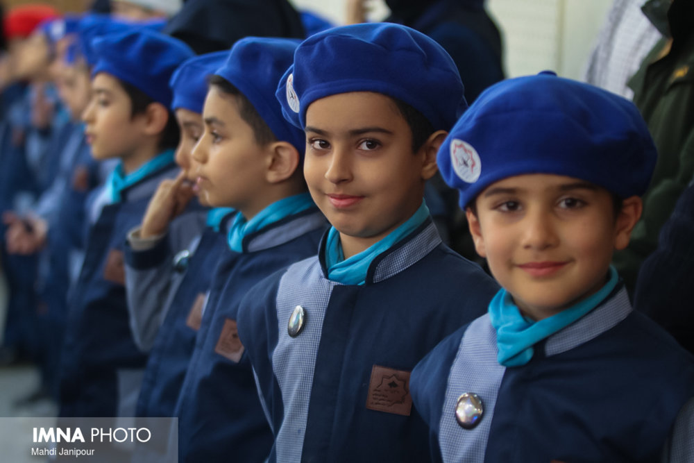 محرومیت کودکان از آموزش درست نیست
