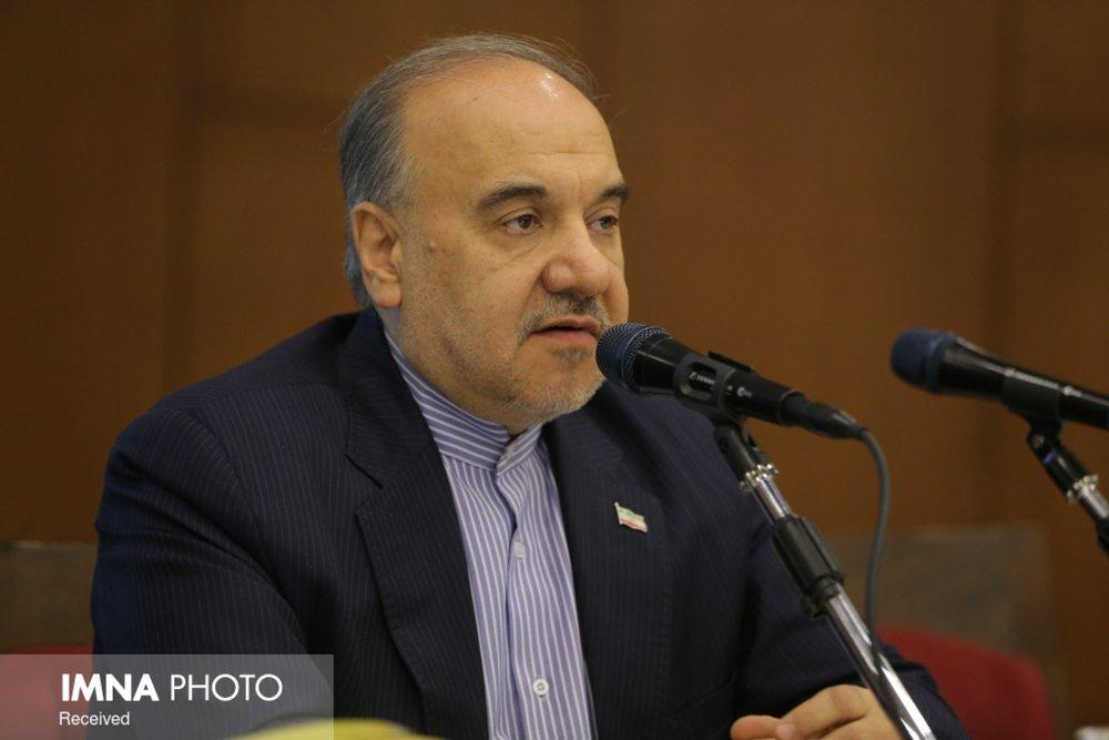 سلطانی فر خبر داد: در لایحه بودجه حق پخش تلویزیونی ۳۰ درصدی قرار دادیم
