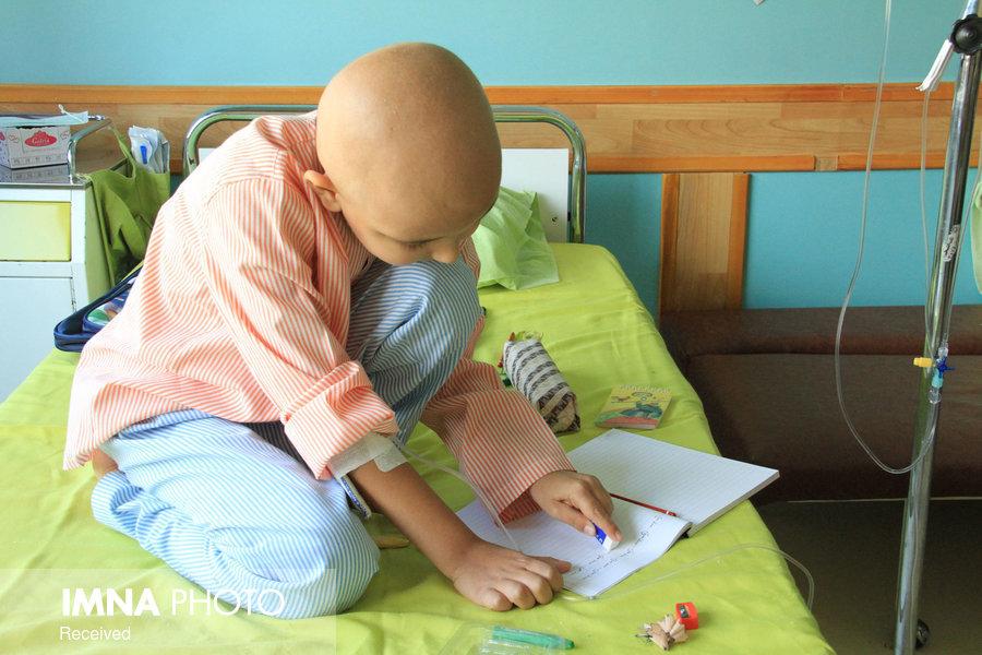 علائم سرطان خون در کودکان