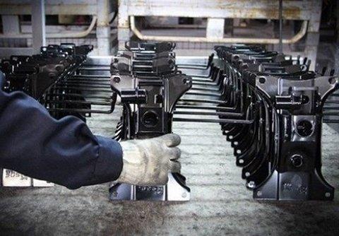 مهمترین مشکل صنعت ایران تحریمهای داخلی است