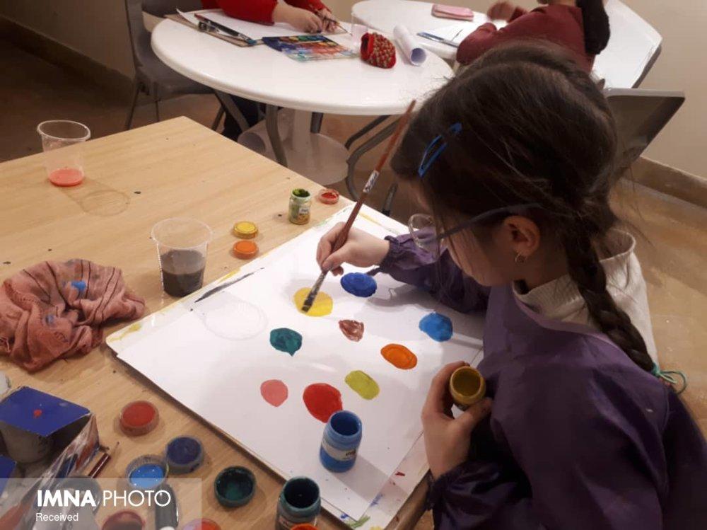 برگزاری برنامههای جمعی در شیراز با هدف هویتبخشی به کودکان