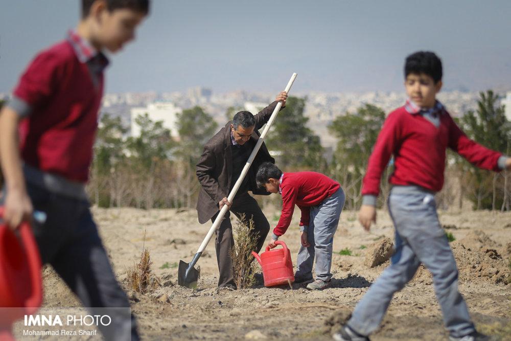 هر کودک اصفهانی یک نهال