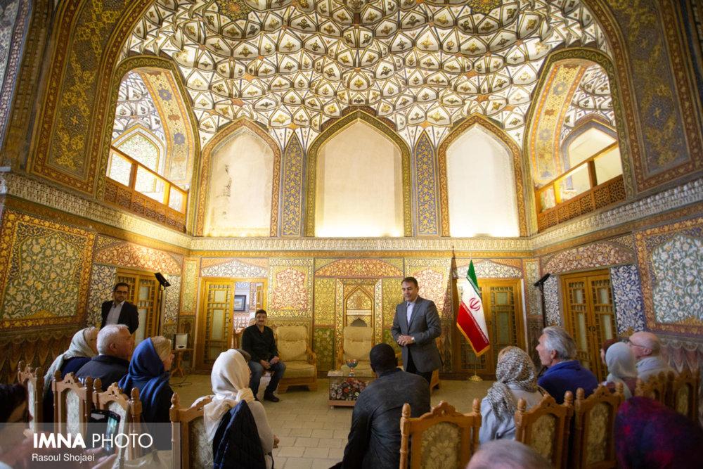 """تجربه های """"ایسی"""" در اصفهان"""