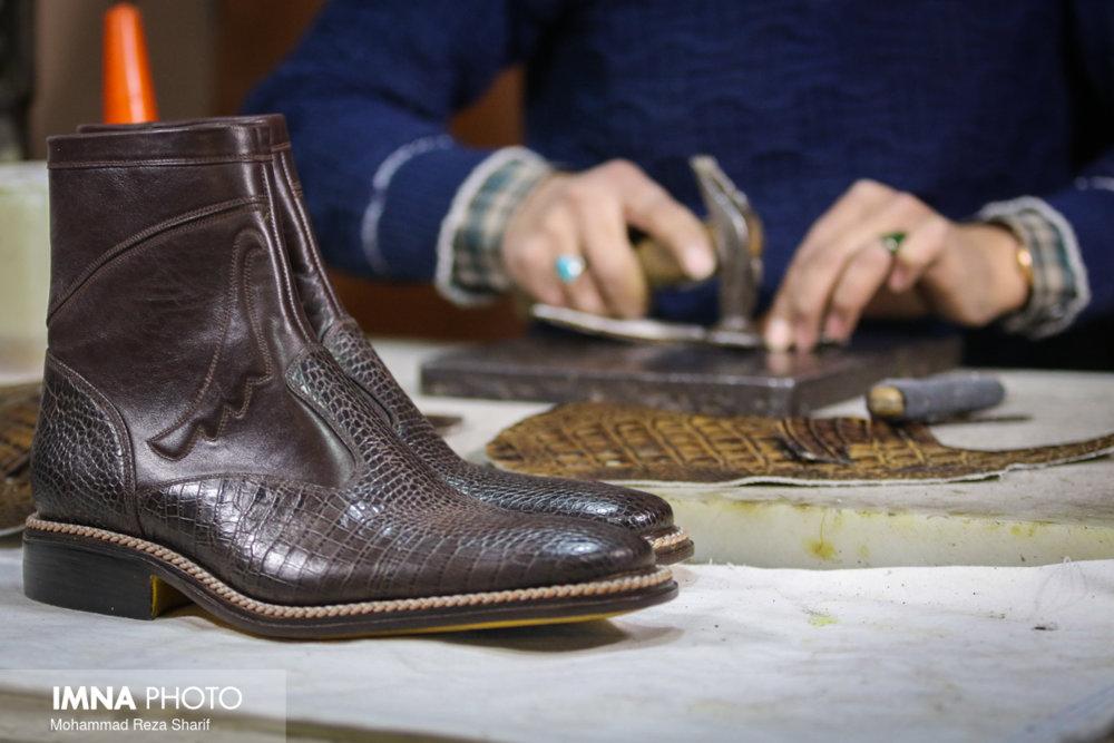 دست وپنجه نرم کردن بازار کفش با رکود و کرونا