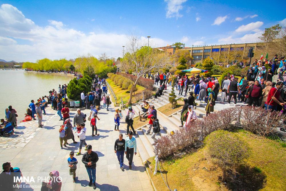 حجتی: زاینده رود، گردشگران را در اصفهان ماندگار کرده است