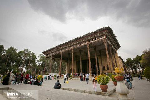 Reflection of splendid Safavid mansion