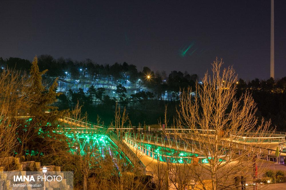بوستان های تهران به روی مردم باز شد