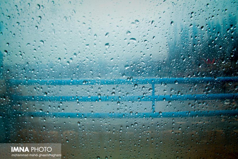 بارش باران و طوفان لحظهای غرب و شرق اصفهان را فرامیگیرد