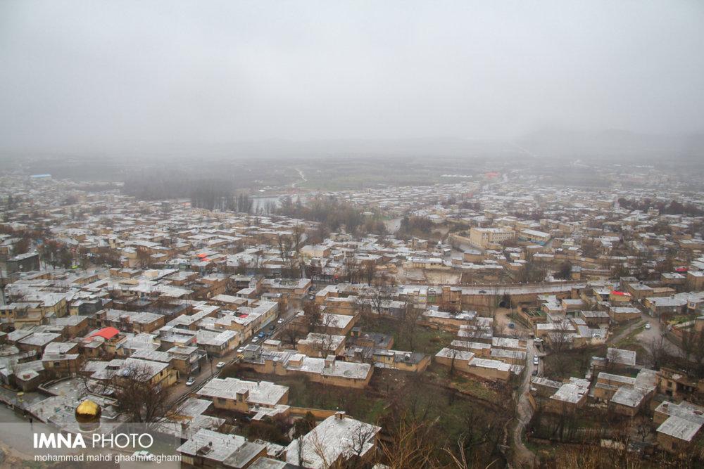 بارش پراکنده در نیمه شمالی اصفهان/ مه پدیده غالب است