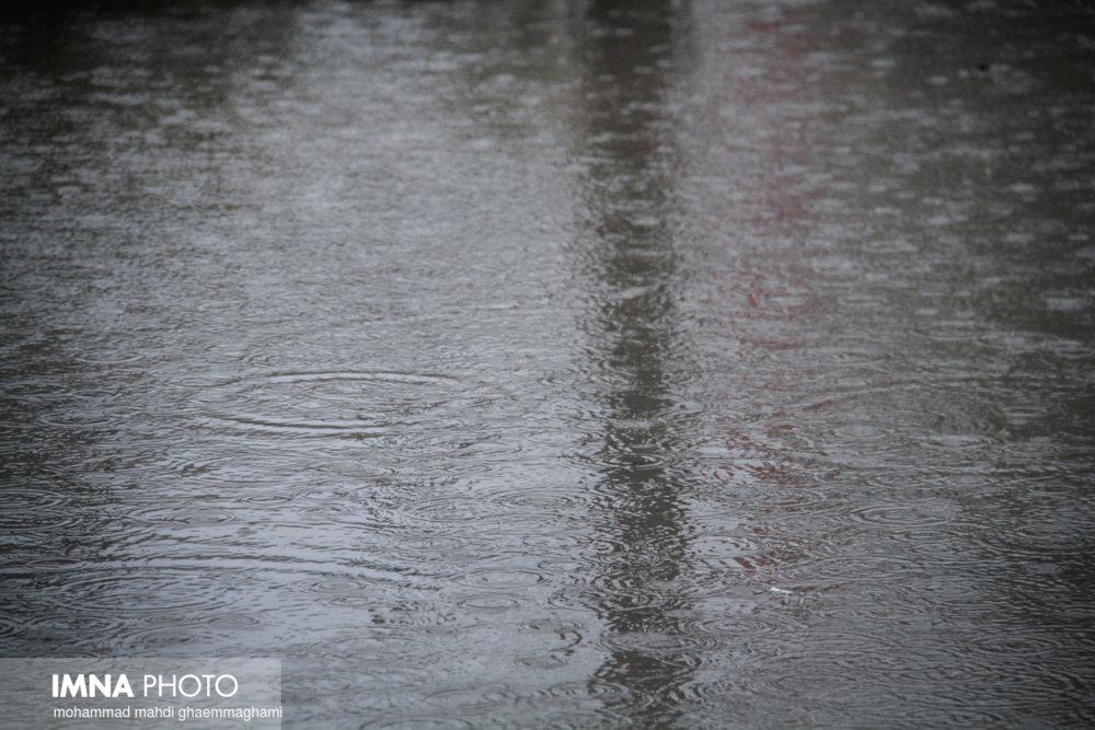 بارش رگباری در شمال اصفهان/ ناپایداری جوی تا پایان هفته ادامه دارد