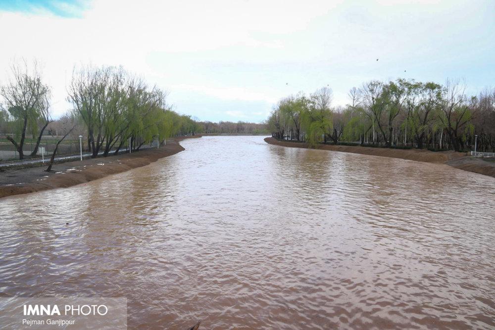 نتایج شش پژوهش نشان داد: ردپای آلایندههای نوپدید در زاینده رود