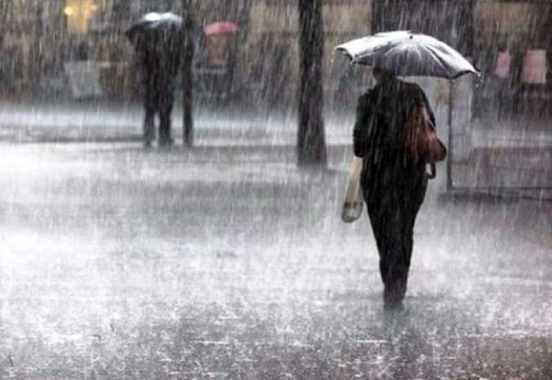 امروز آسمان اصفهان بارانی میشود