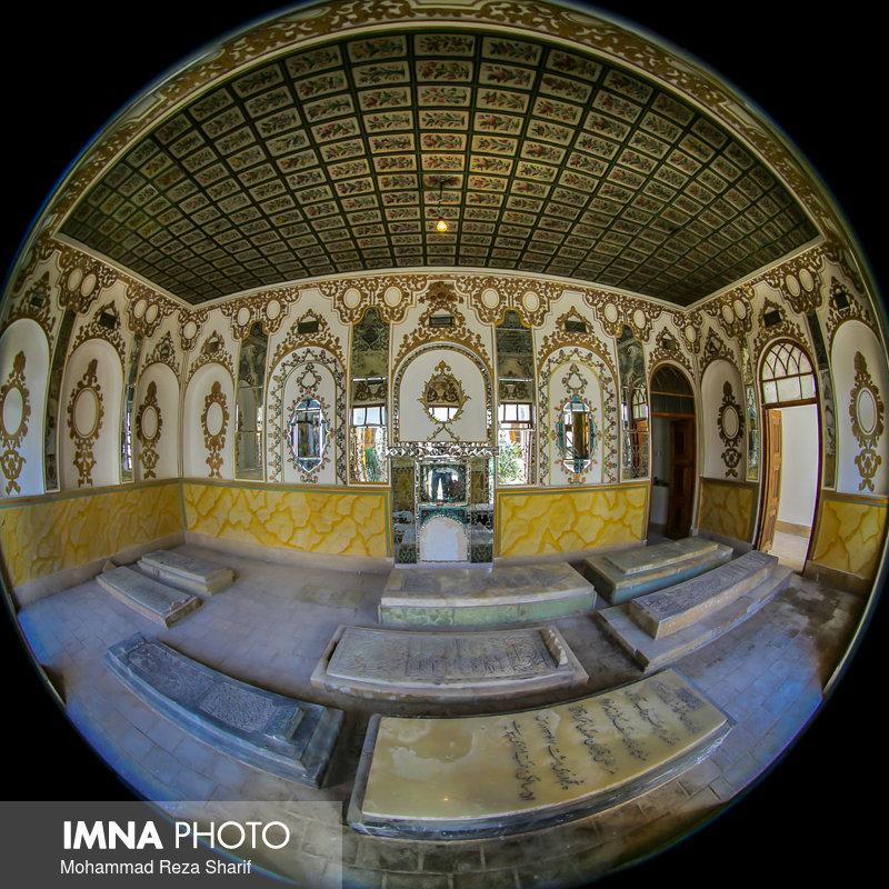 تخت فولاد میراثی فاخر برای اصفهان